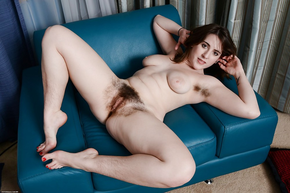 Stylish Blonde Cynda Mcelvana Showing Her Hairy Pussy In Hq