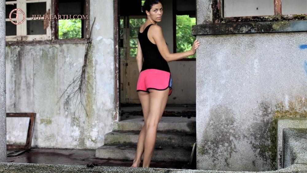 Julia V Earth in abandoned house - 13 Pics
