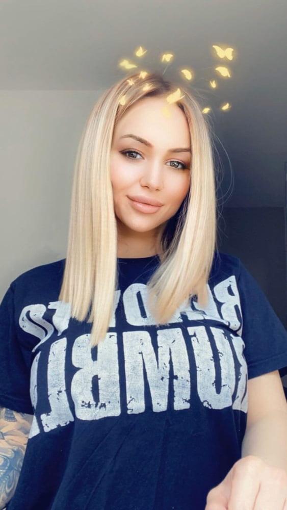 Milana Serbia Callgirl - 137 Pics