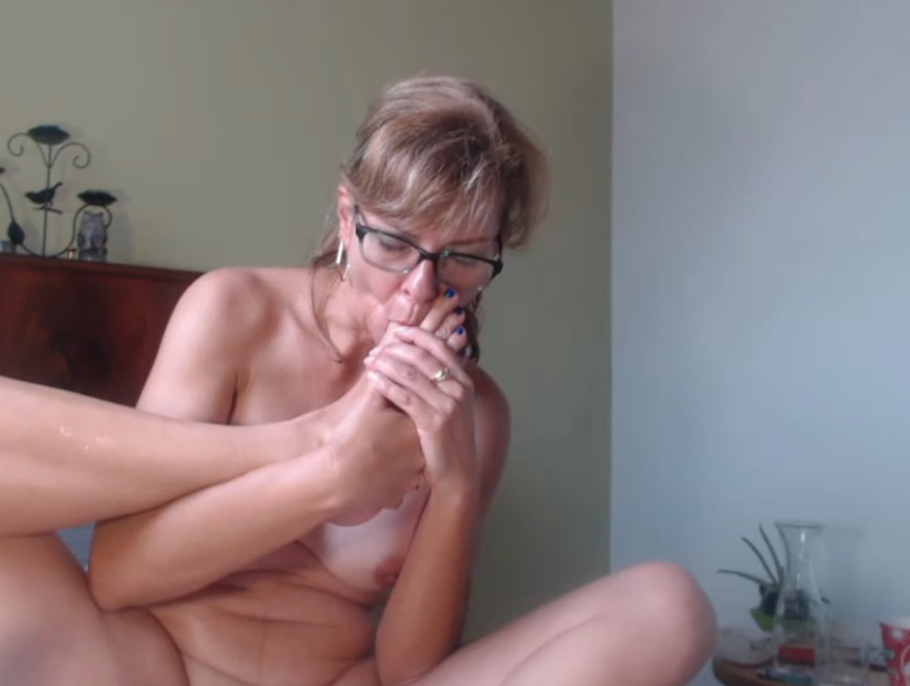 Sexy mature squirting
