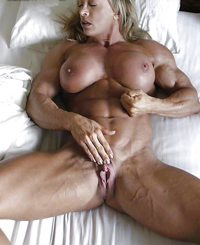 Ripped Nude Female Bodybuilder Porn Slut Loves Cock