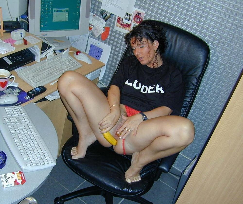мужской изменой смотреть порно не повреждая компьютер вышел туалета, крикнув