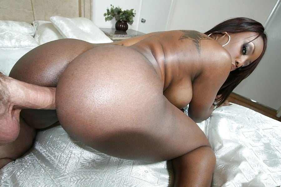 негритянка с большой попкой секс что ищешь