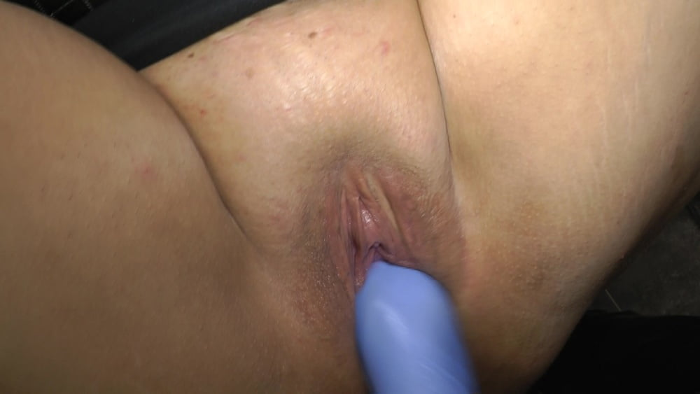 Annadevot - Demonstrated and released for fisting - 33 Pics