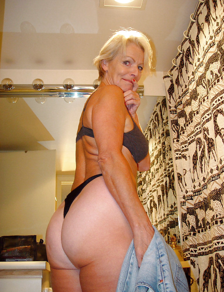 Blonde mature milf granny justine