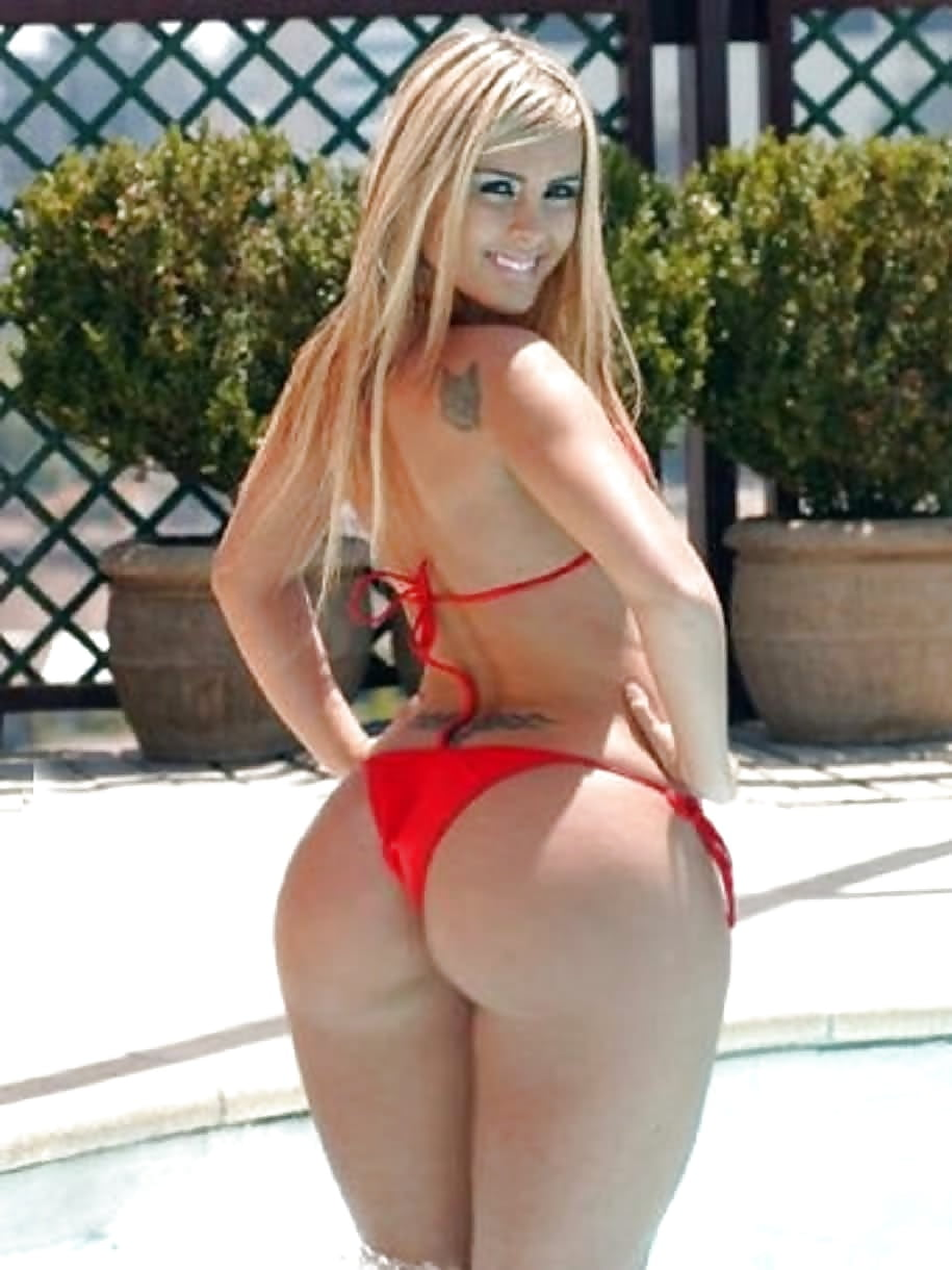 Naked busty blondes with wide thighs sex gif — photo 15
