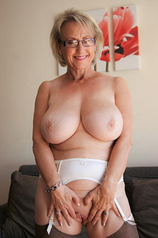 Sexy nude big grandmas