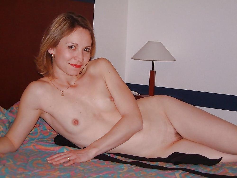 Milf small tits pics, nude milfs sex xxx photos