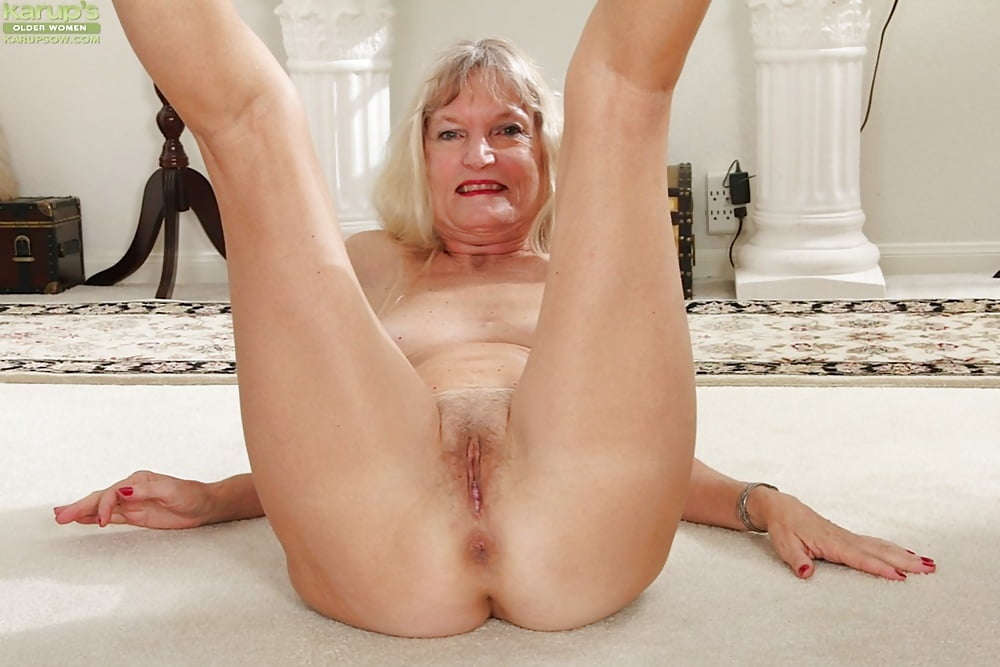 Nice shaved granny pussy