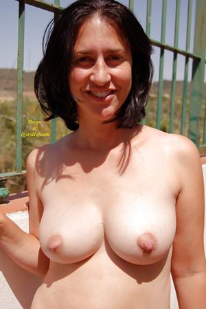 Celeb Wife Naked Boobs Scenes