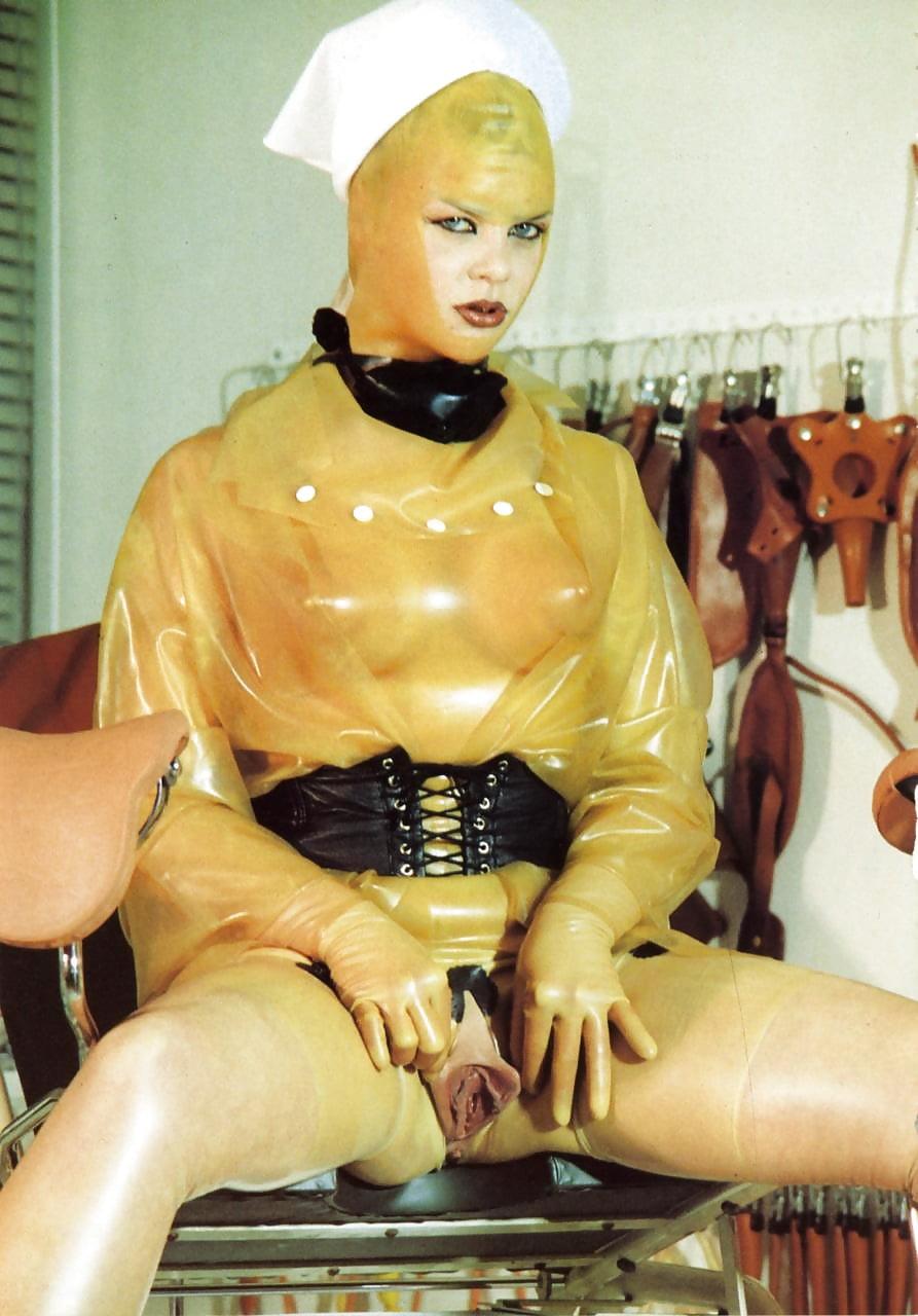 Bizarre rubber fetish — photo 1