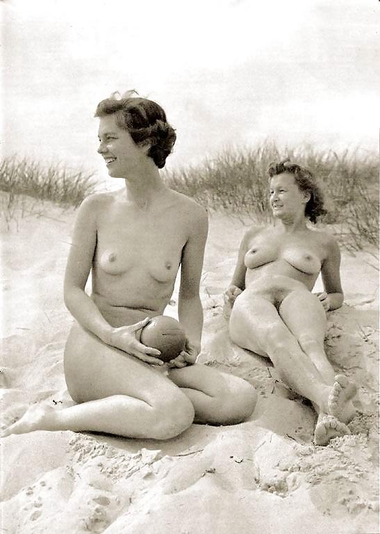 Best lesbian vintage porn galery, hot lesbian classic sex images