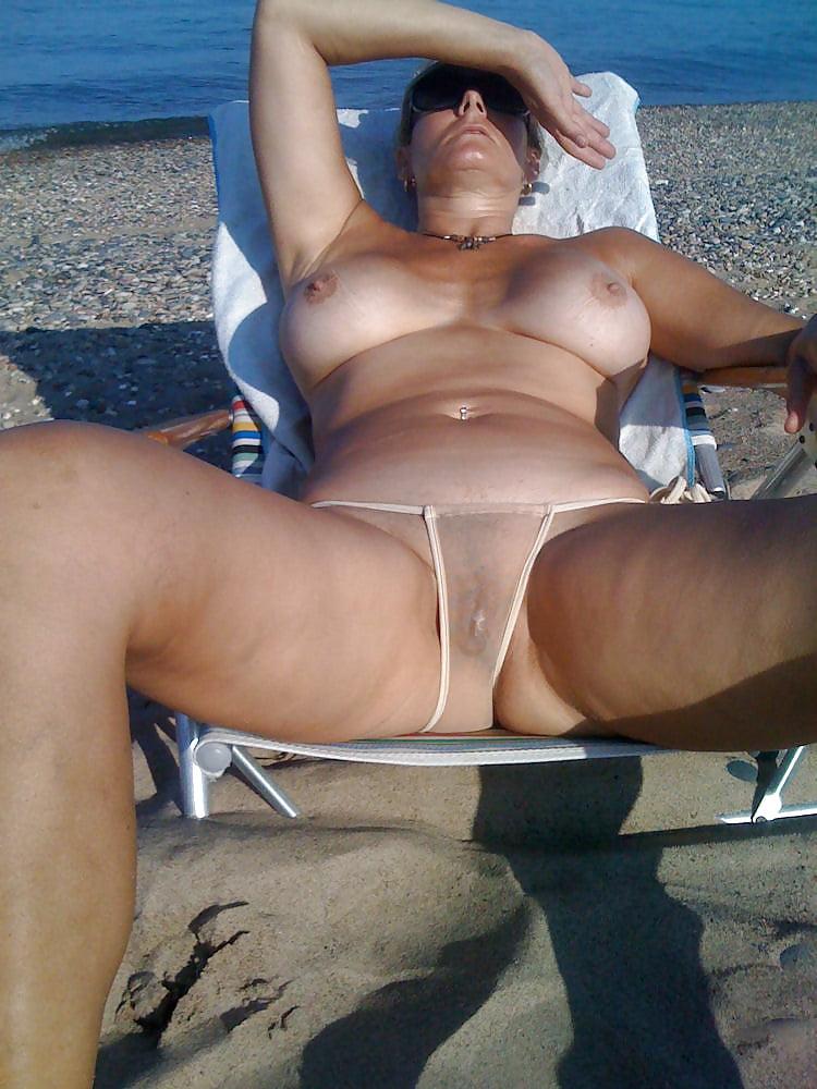Порно сайты бикини зрелые дамы, просмотр порно видео секс с дамами на вилле онлайн