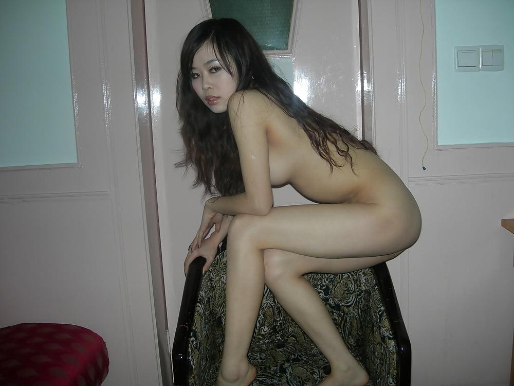 Very beautiful chinese girl self naked photos — 3