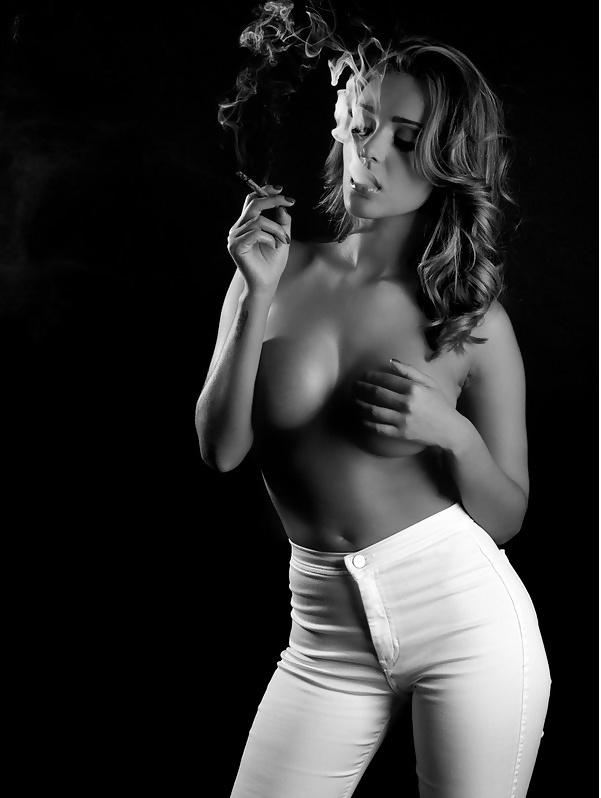 Фото девушки эротично с сигарами