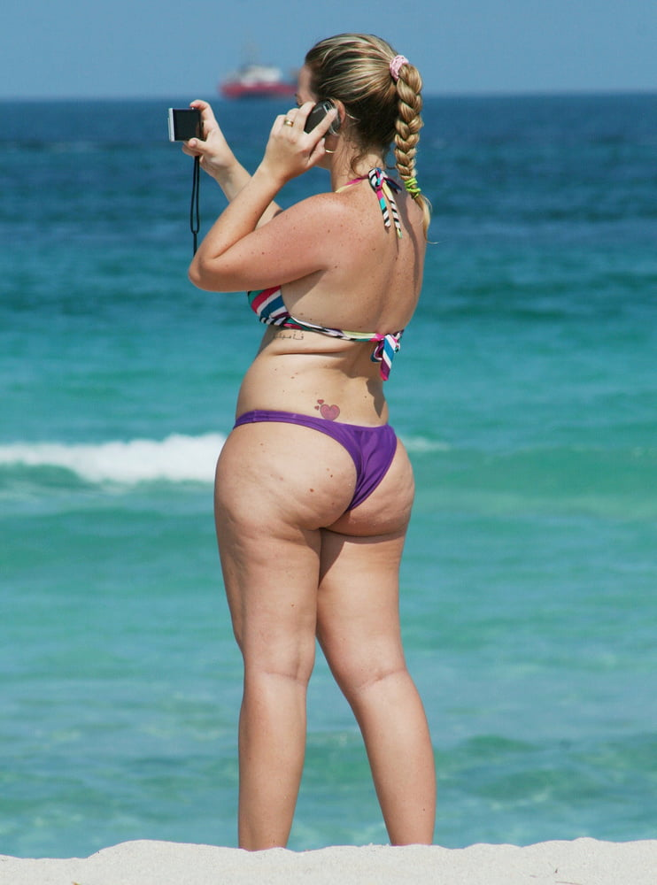 Beautiful Butts and Asses - 22 Pics