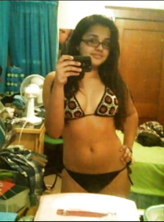 young ladies nude self pics