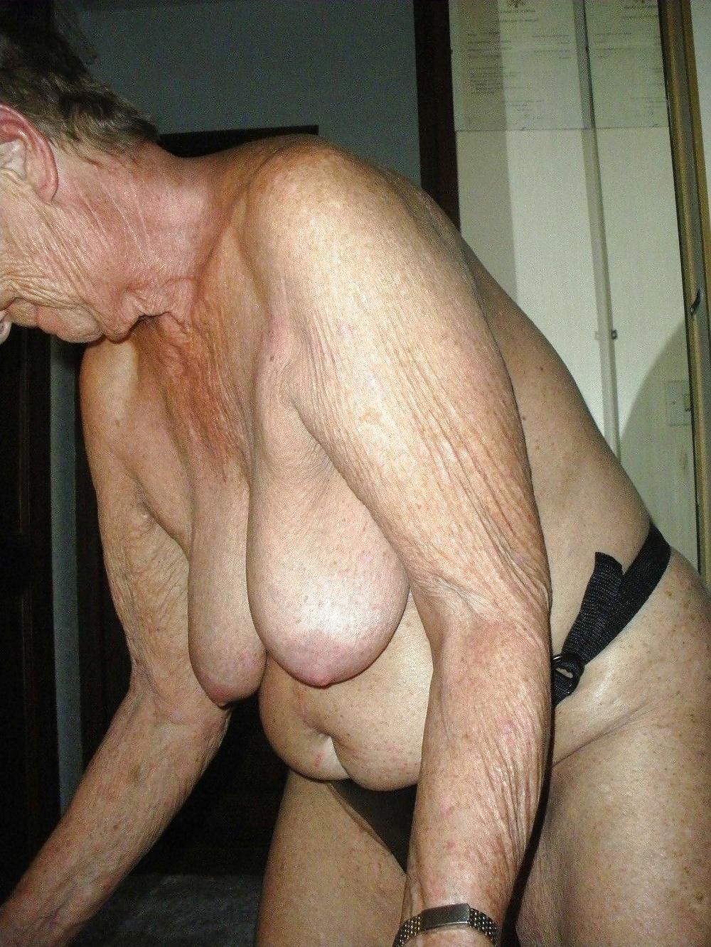 Hot granny big saggy tits
