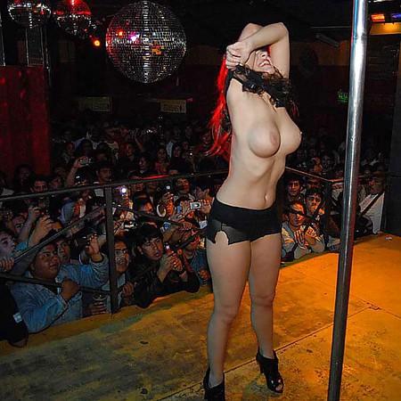 Camila Velasco  nackt