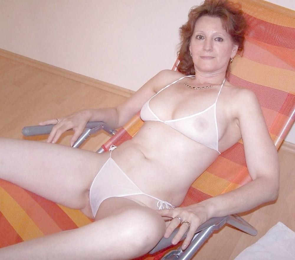 Nude Porn Pics Pornstar with star tattoo leg
