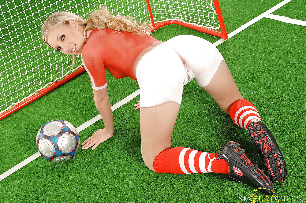 Nude And Painted Football Girls Teen 21sextury 1