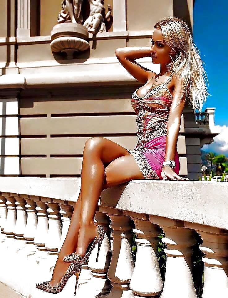sexy-women-heels-guy-masterbating-for-gir-gifs