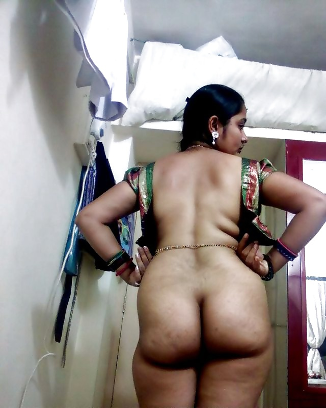 Indian mom's huge ass shakes with every step