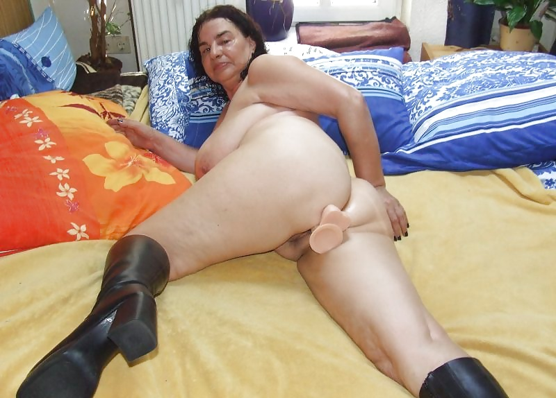 slut-mature-ladies-first-dildo-wives-like-fuck