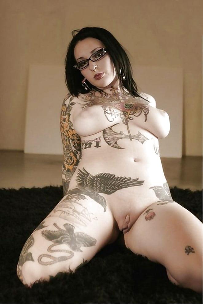 онлайн, домашнее порно фото женщины с тату всё это очень