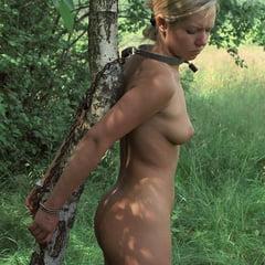 Zur schau nackt gestellt ehefrau Besuch Bei