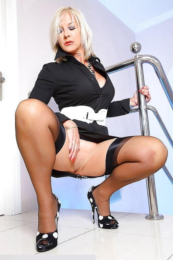 фото голые зрелые бизнес-леди