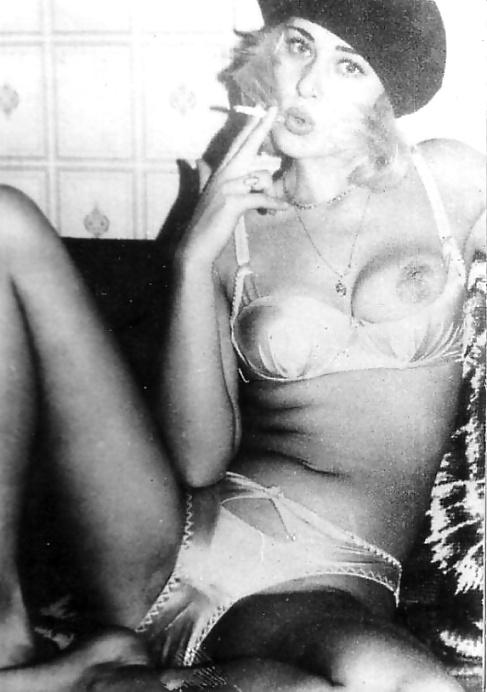 Smoking Babes - Vintage  Retro - 36 Pics  Xhamster-9568