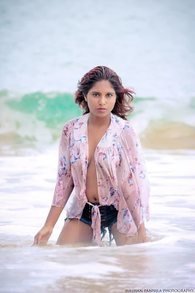 Sri Lankan model Nehara Samanali Nude Photos XXX