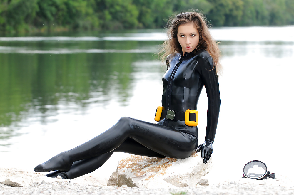 porn-sexy-wetsuit-babes