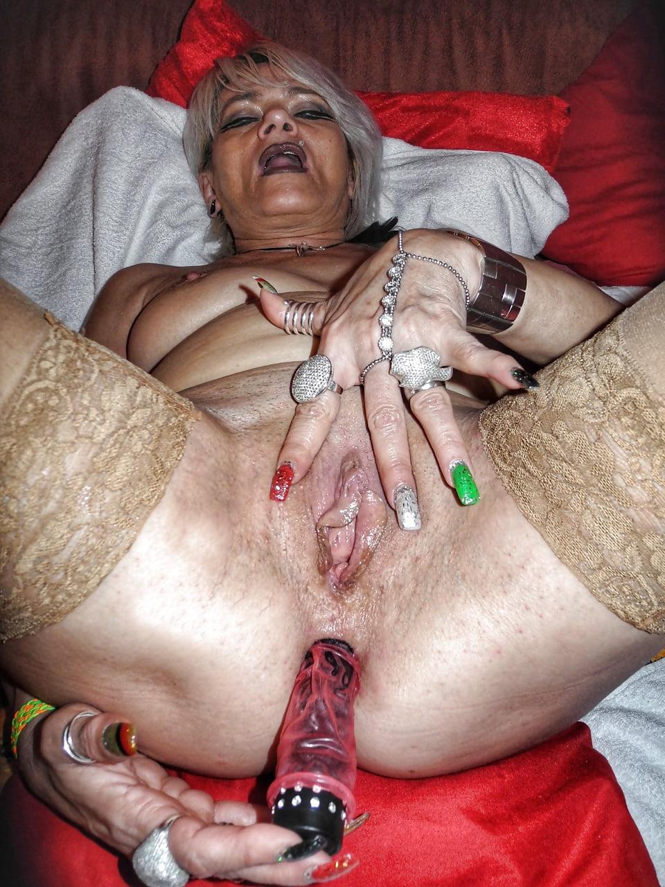 Старая страшная проститутка порно, мире звезда показывают пизда фото