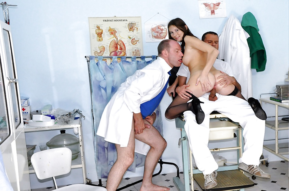 молодой врач и мужчина пациент порно - 8