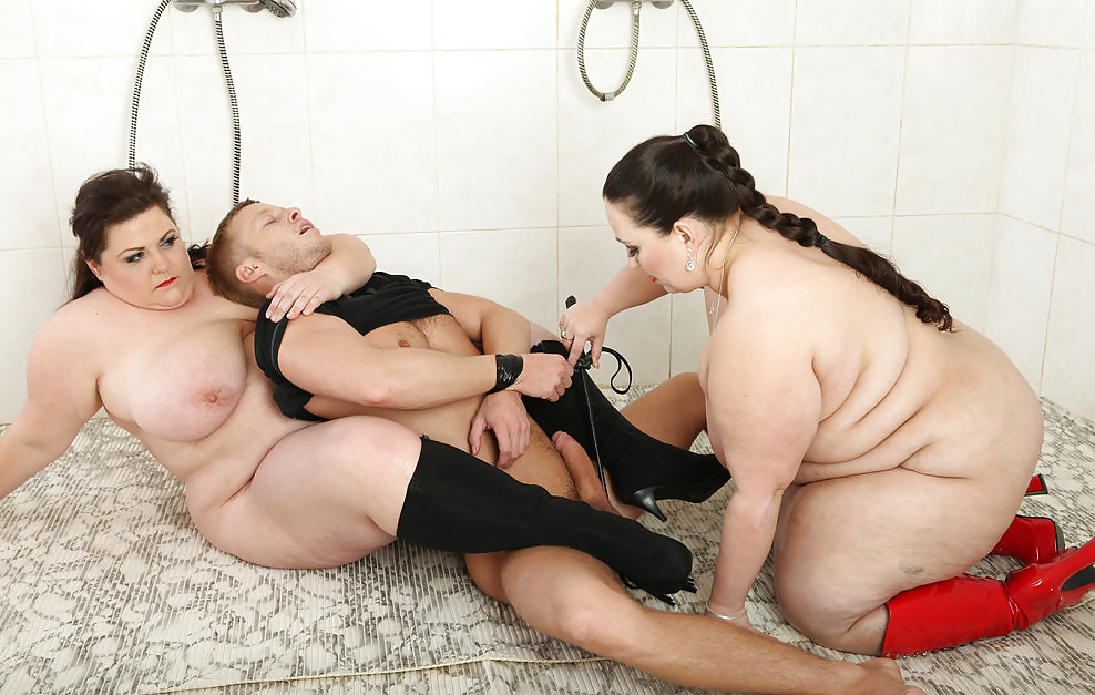 staraya-russkaya-mamka-dominiruet-video-porno-seks-trans-ekstsess