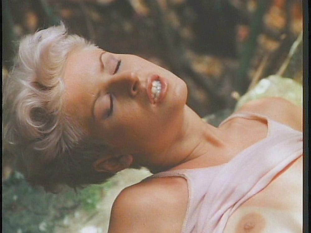 konchina-film-erotika-rozovaya-laguna-molodih-volosatie-pizdi