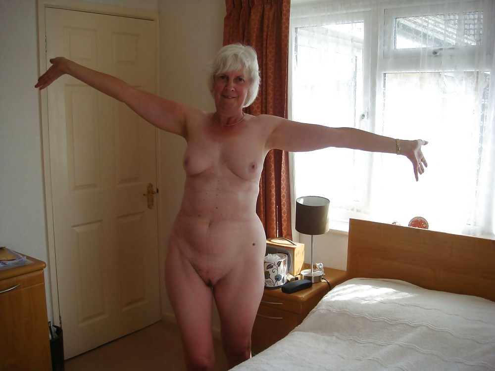 Grannys at home naked photos