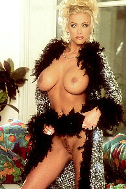 antonella-elia-nude-nude-pictures-of-radha-mitchell