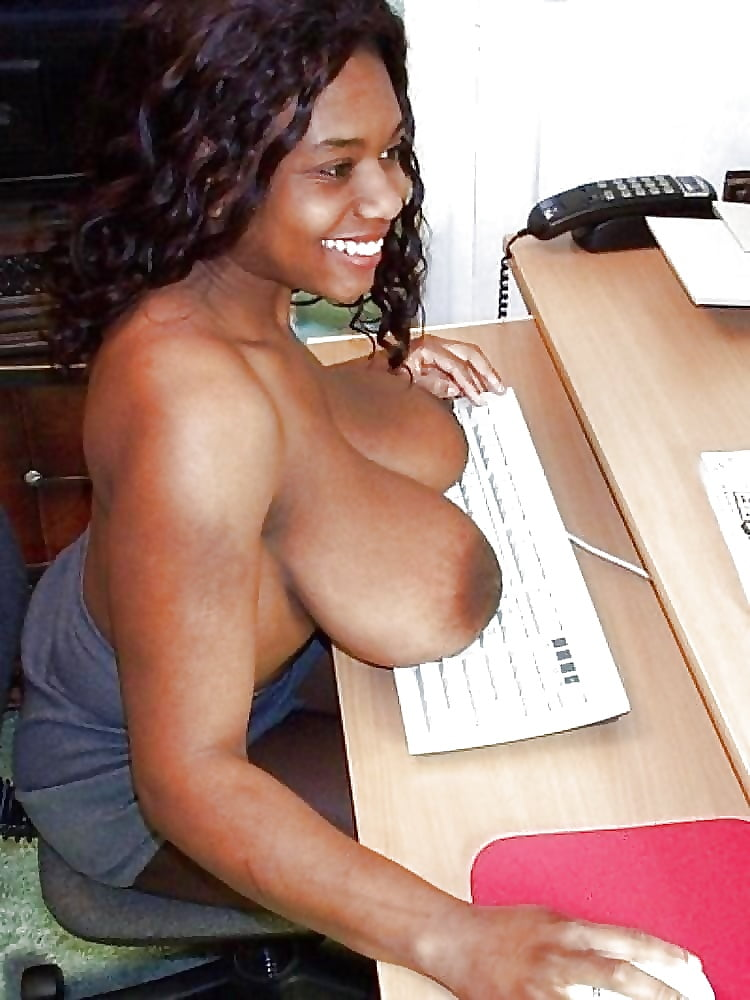Big Breasts On The Table - 21 Pics - Xhamstercom