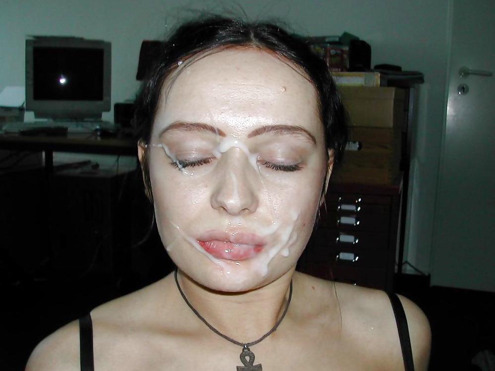 Частное сперма на лице фото, парень девушке куни делает