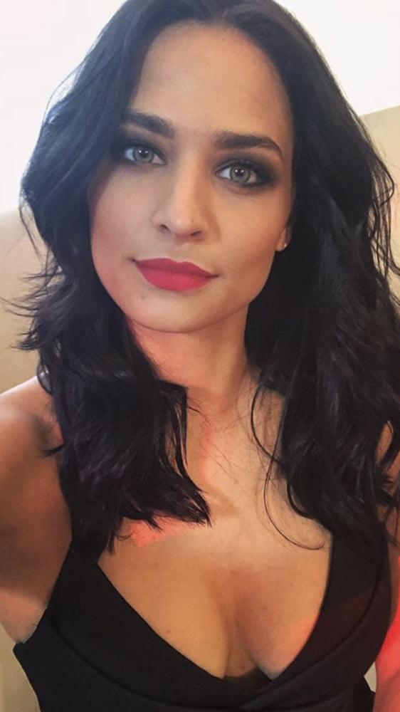 Amira Pocher  nackt