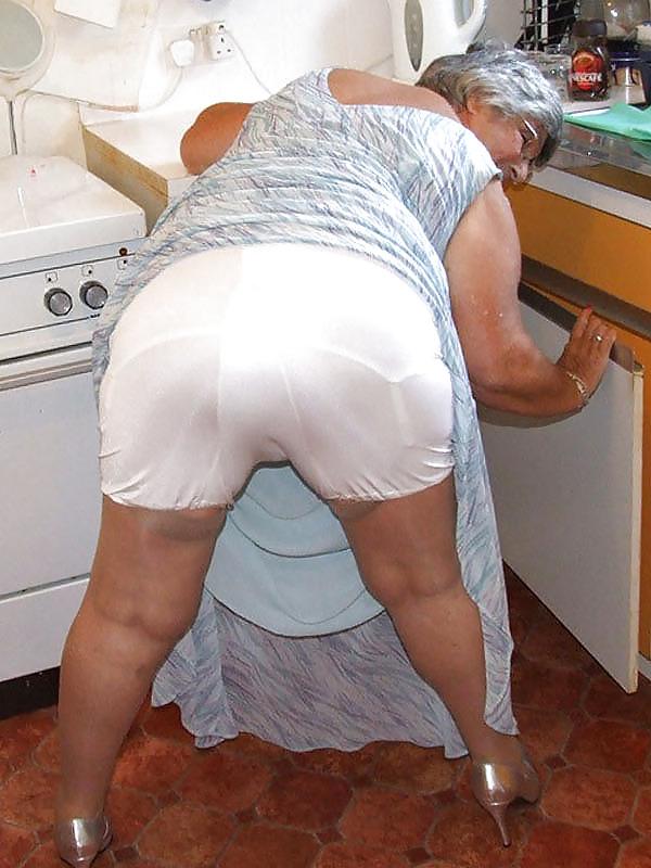 Порно старушки в панталонах, молодежное русскоязычное порно