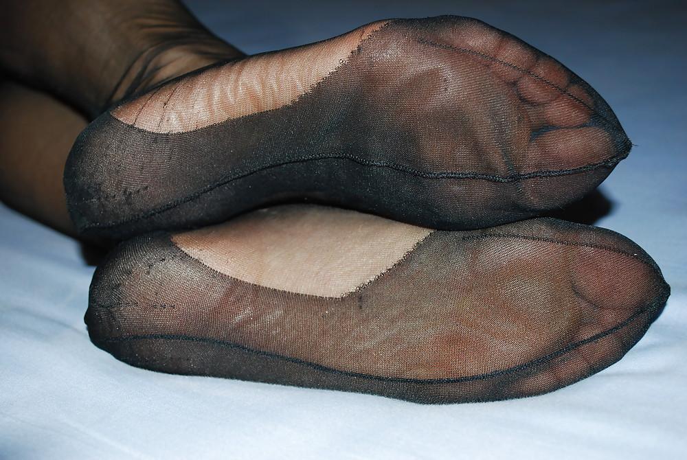 hunter-nylon-feet-rubbing-pussy-video-tube