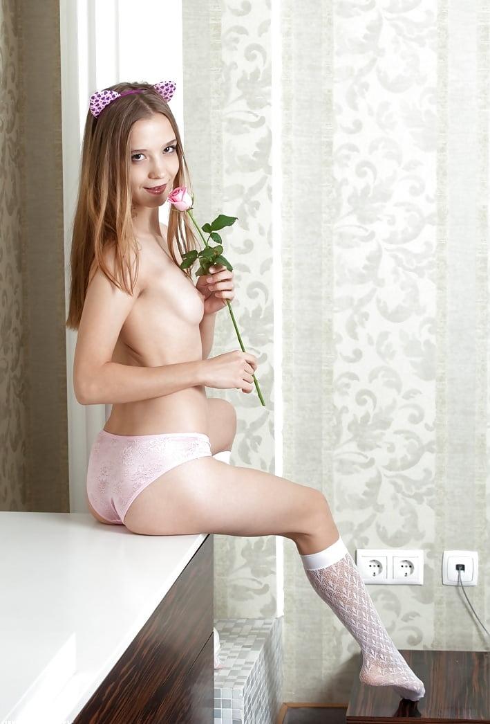 Showybeauty Alisabelle Seductive Beauty Erotic Reddpics 1