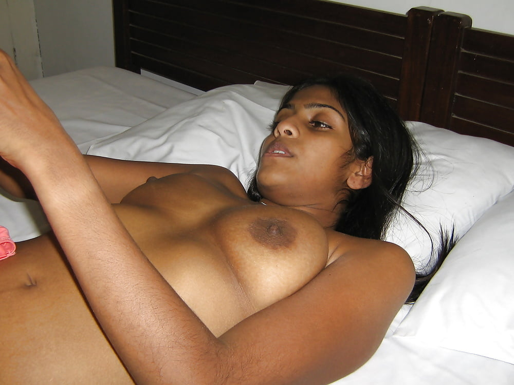 Naked Full Lankan Girl