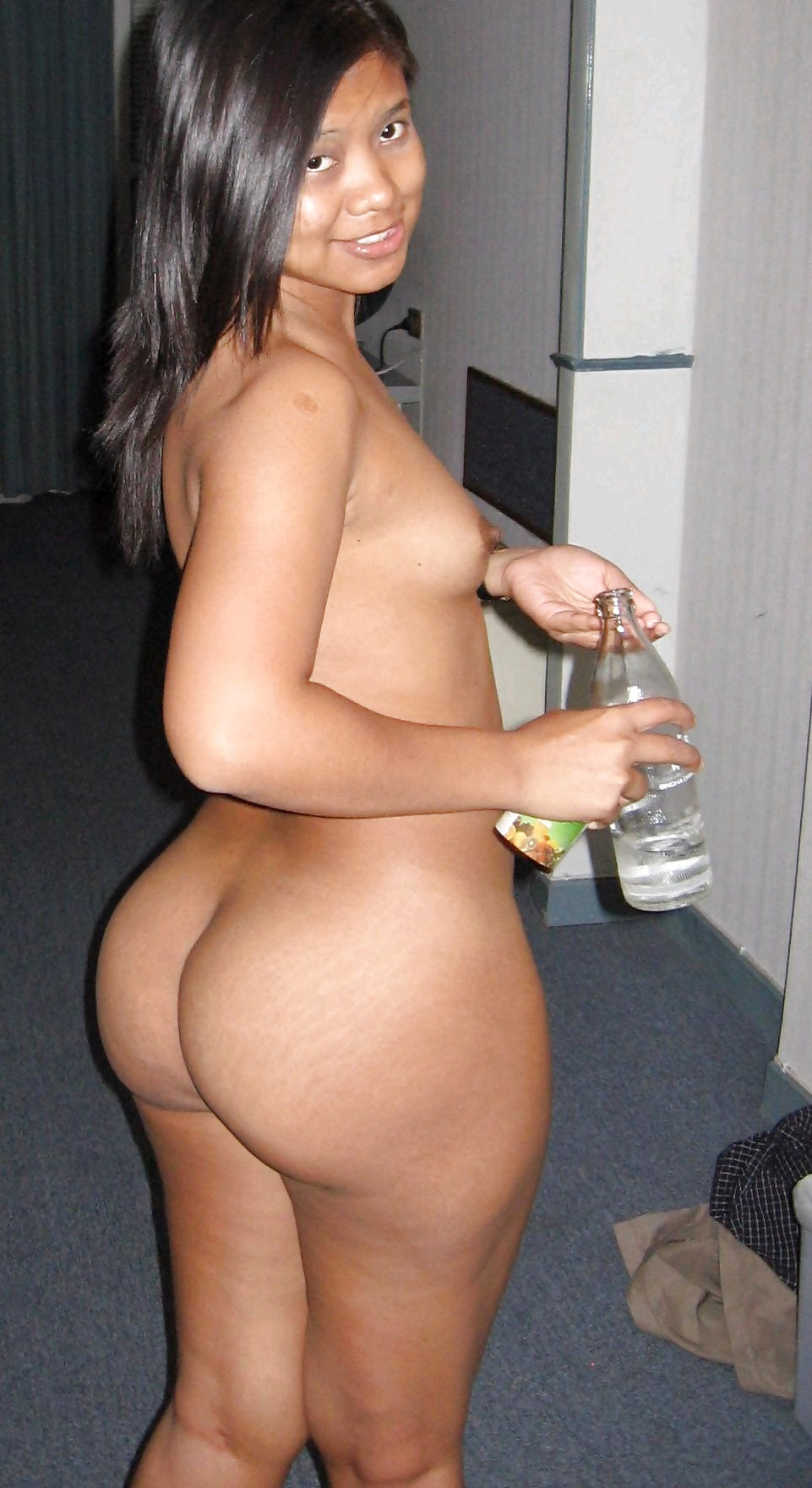 flat-mexican-ass-pic-nude