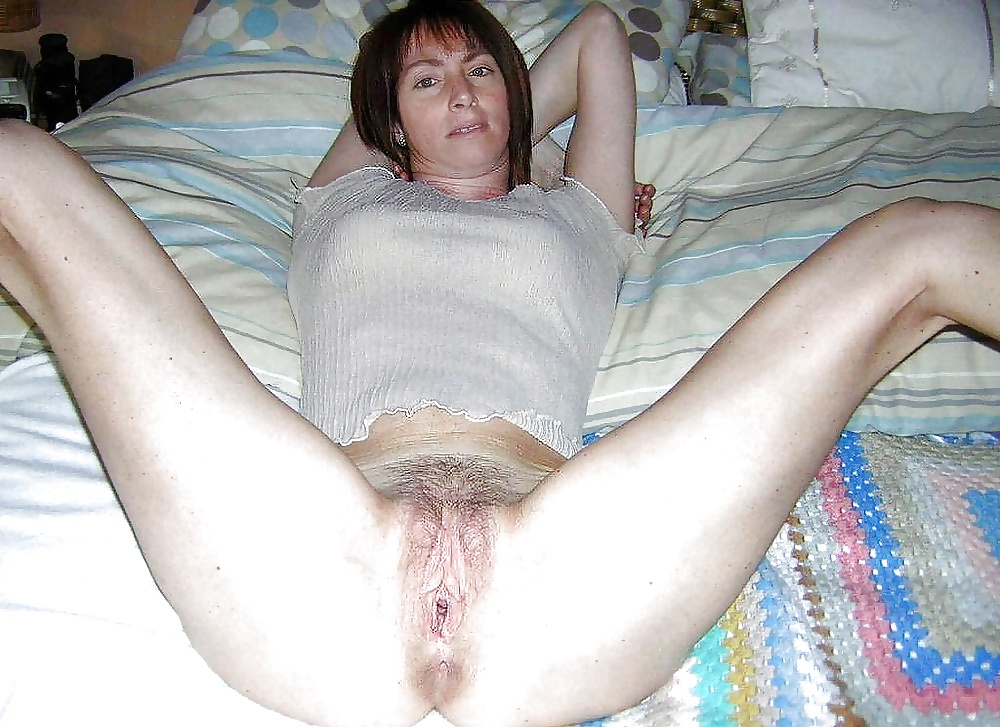 Sexy girls spreading-3840
