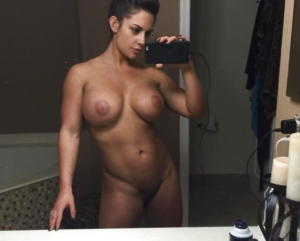 kaitlyn-wwe-sex-nude